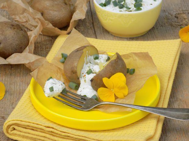 Ziemniaki z piekarnika z dipem serowym