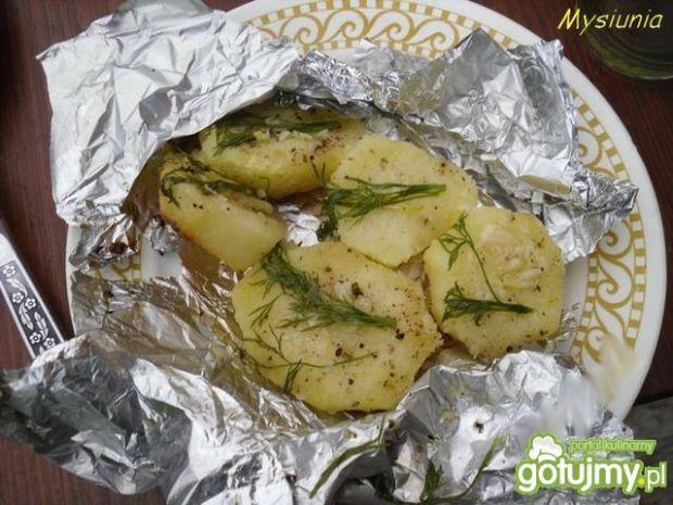 Ziemniaki zapiekane na grillu