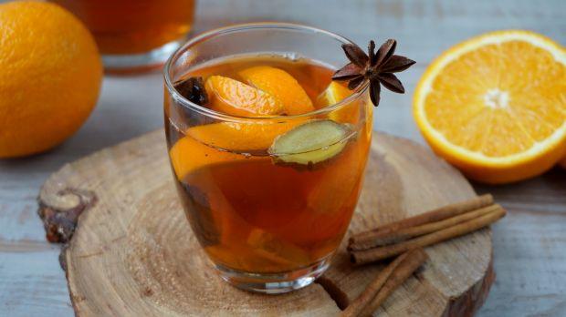 Zimowa herbata z pomarańczą i imbirem