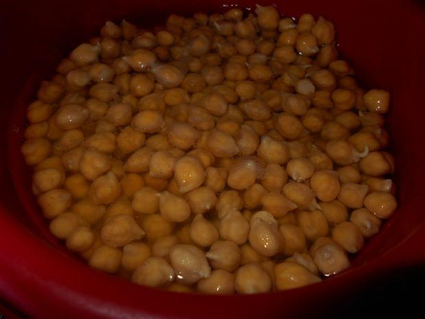 Ziołowa pasta z ciecierzycy