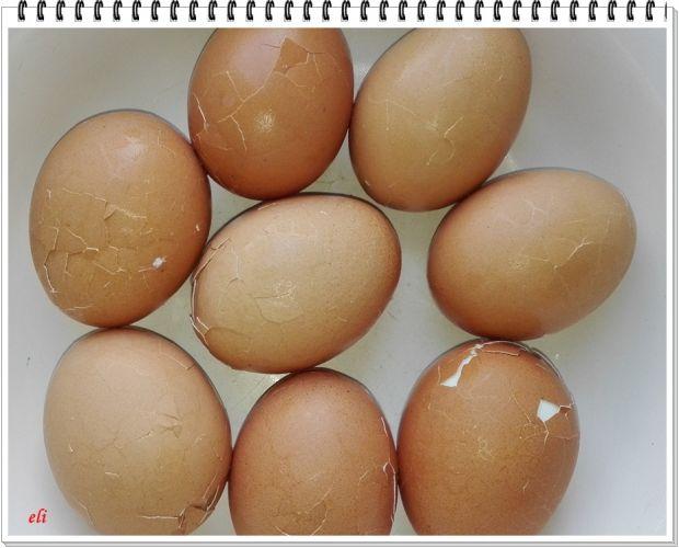Ziołowe jajka Eli w szynce