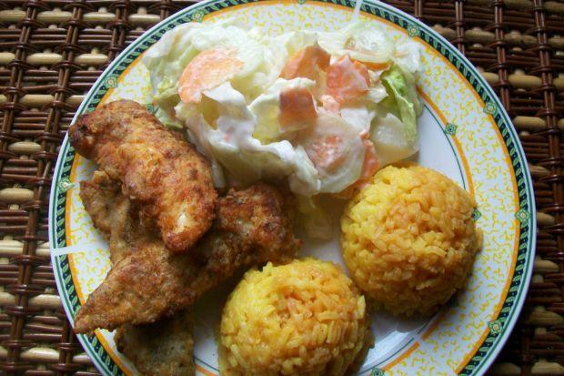 Ziołowy kurczak z żółtym ryżem