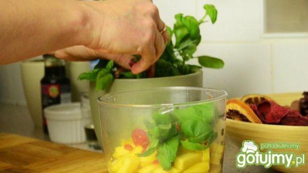 Złota rybka w złotym sosie z mango