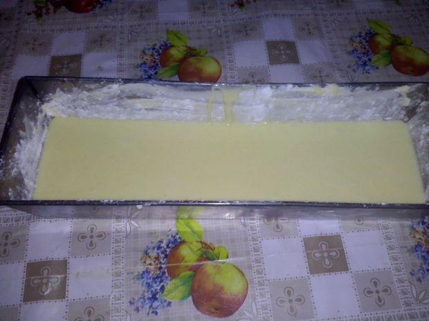 Żółta babka cytrynowa z polewą