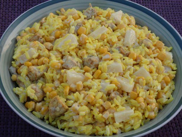 Zolta Salatka Ryzowa Z Kurczakiem