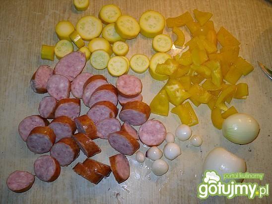 Zółte szaszłyki z kiebłaską