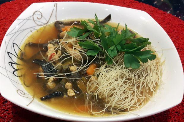 Rozgrzewająca zupa azjatycka