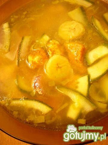 Zupa bananowa z curry i kurczakiem