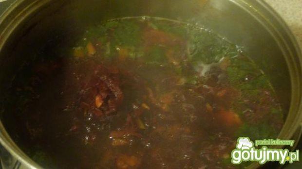 Zupa botwinkowa z ciecierzycą
