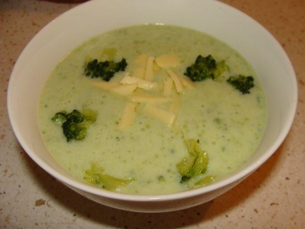 Zupa brokułowa na mleku