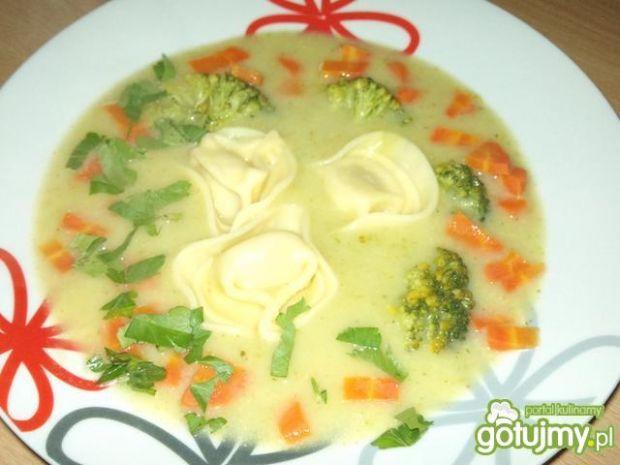 Zupa brokułowa z tortellini 2