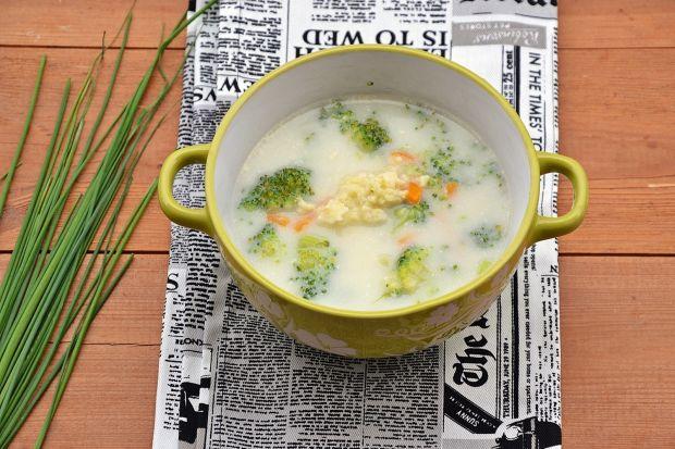 Zupa brokułowo-serowa