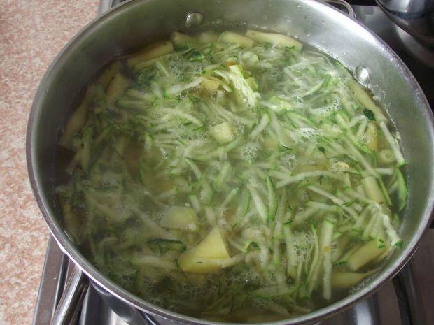 Zupa cukiniowa z fasolką szparagową