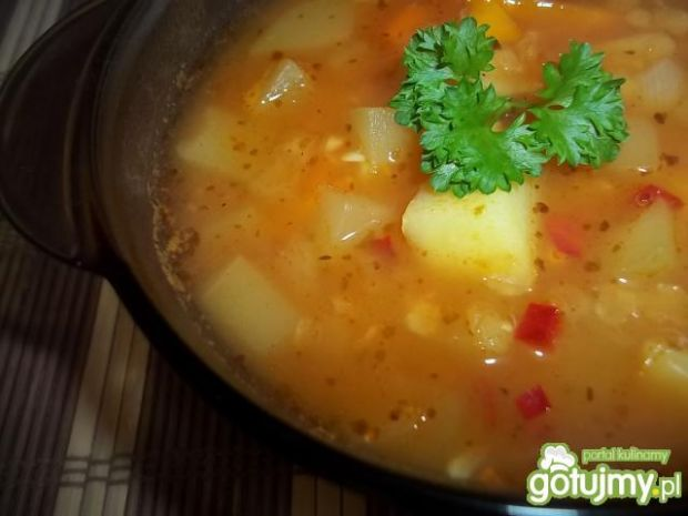 Zupa cukiniowa z soczewicą