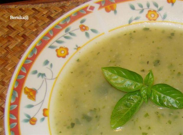 Zupa cukiniowo-czosnkowa