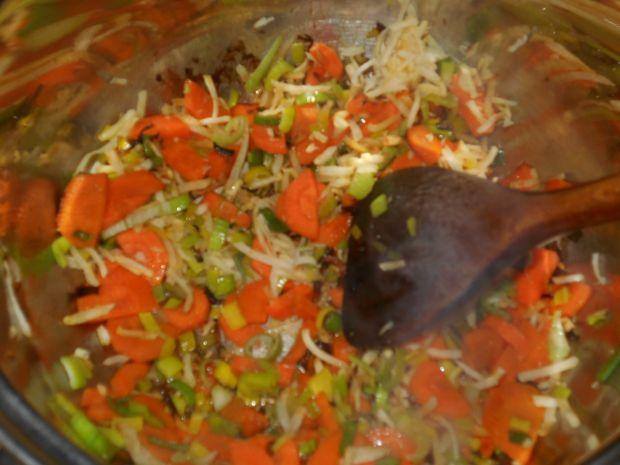 Zupa cukiniowo-serowa z soczewicą