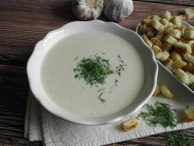 Zupa czosnkowo serowa