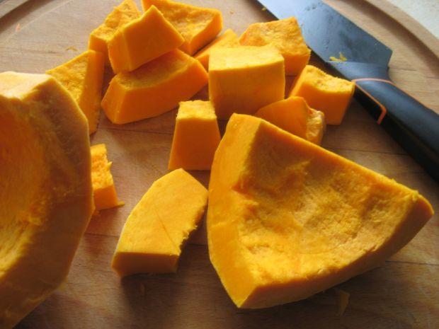 Zupa dyniowa na mleku z owocami