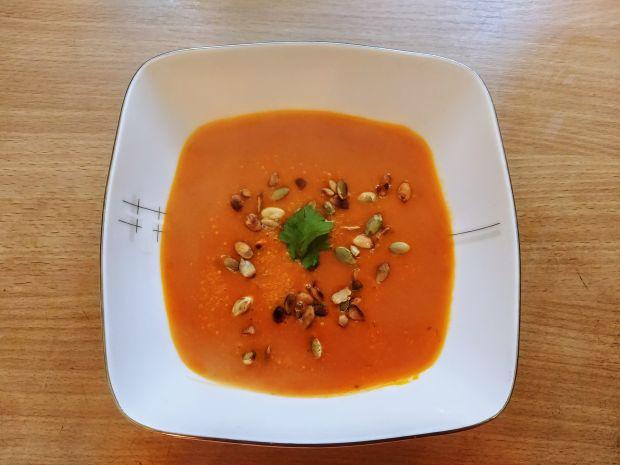 Zupa dyniowa z kolendrą