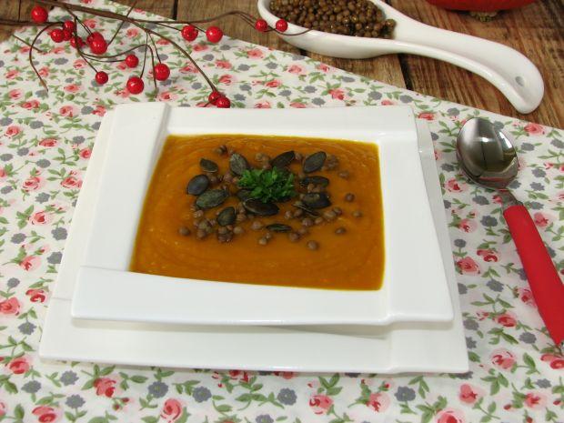 Zupa dyniowa z soczewicą