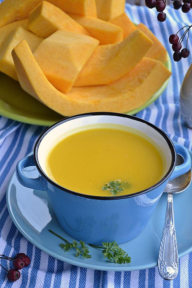 Zupa dyniowo-serowa