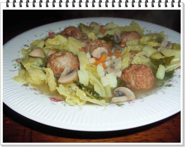 Zupa Eli z kapusty włoskiej z niespodzianką