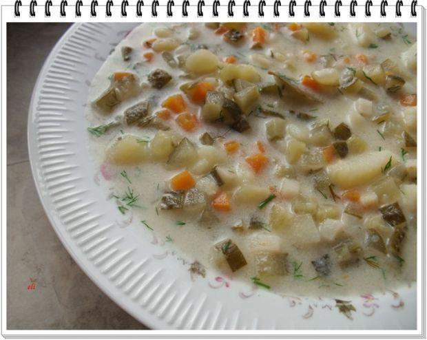 Zupa Eli z ogórków kiszonych