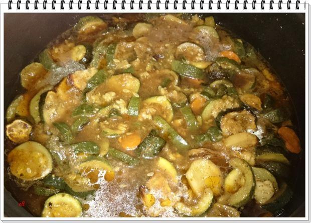 Zupa Eli z pieczonej cukini i warzyw