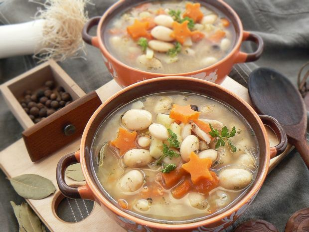 Zupa fasolowa pod gwiazdami