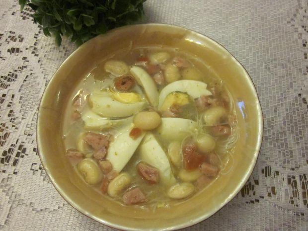 Zupa fasolowa z jajkiem