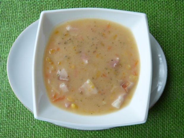 Zupa grochowa z boczkiem