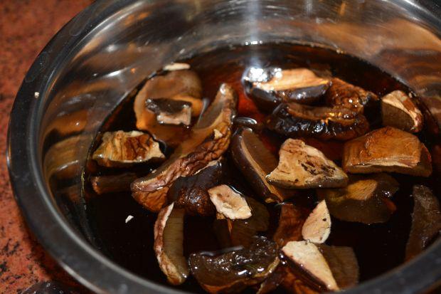 Zupa grzybowa z grysikiem i śmietaną