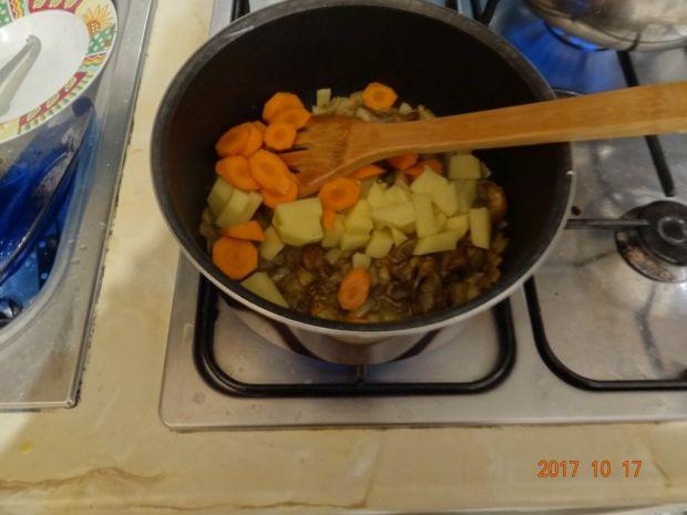 Zupa grzybowa z kaszą gryczaną