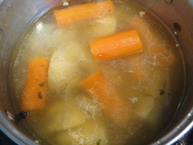 Zupa grzybowa  z kaszą i białym winem