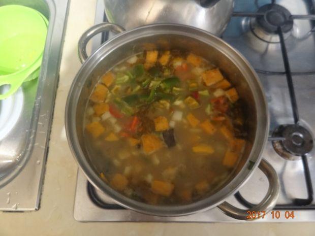 Zupa gulaszowa z batatami