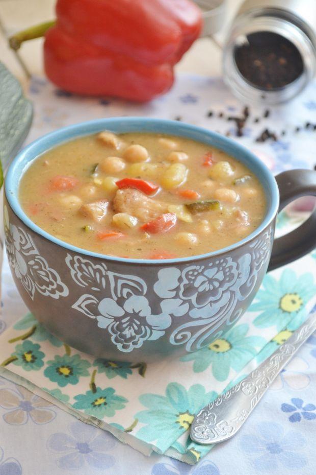 Zupa gulaszowa z soczewicą