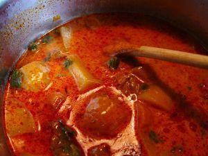 Zupa gulaszowa z wieprzowiną