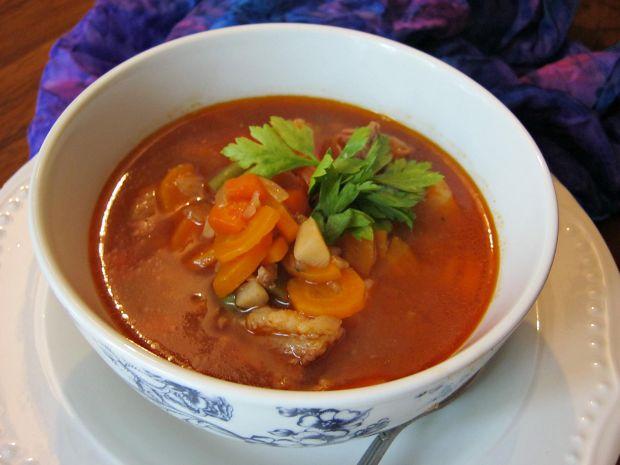 Zupa gulaszowo-warzywna