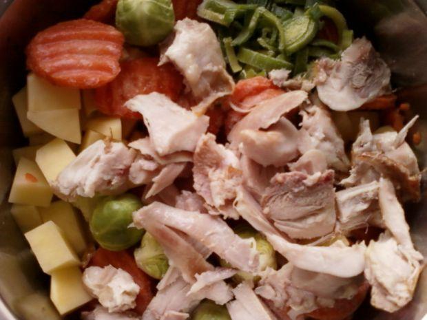 Zupa jarzynowa na wędzonym kurczaku