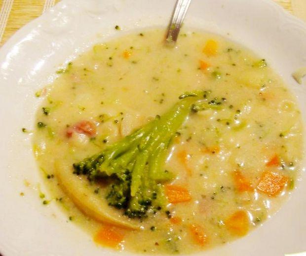 Zupa jarzynowa wiosenna