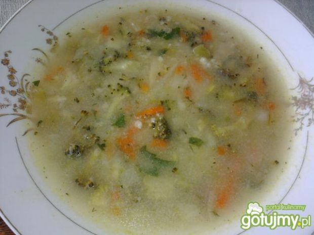 Zupa jarzynowa z kaszą jęczmienną