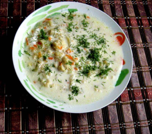 Zupa kalafiorowa bardzo kluseczkowa