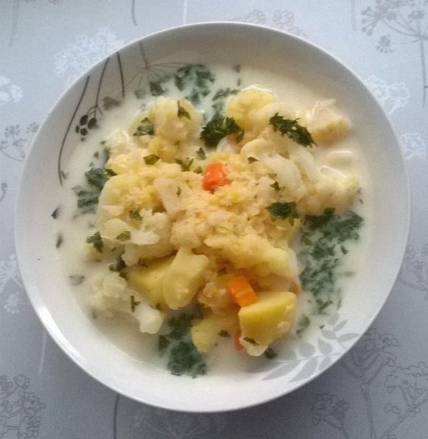 Zupa kalafiorowa z soczewicą