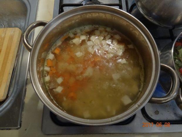 Zupa kalarepkowa z młodymi ziemniakami