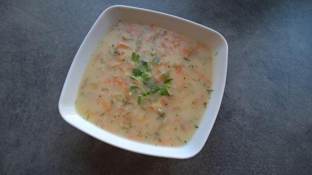 Zupa koperkowa z kaszą jaglaną