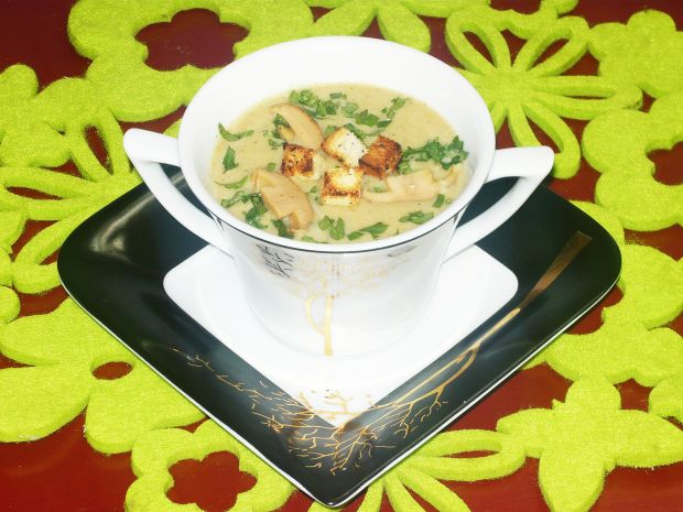 Zupa krem borowikowa