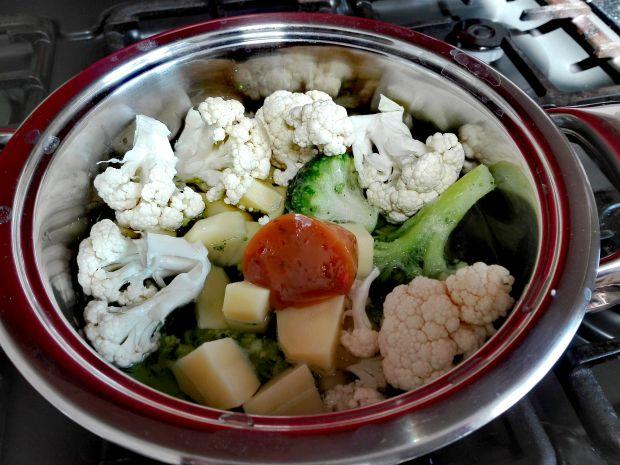 Zupa krem brokułowo-kalafiorowa z serem
