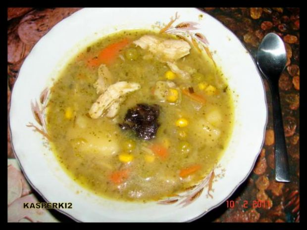 Zupa, krem brokułowy ze śliwką