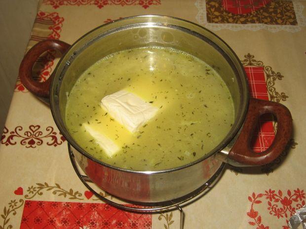 Zupa krem cebulowo-serowa