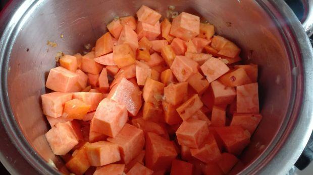 Zupa-krem z batatów z chili